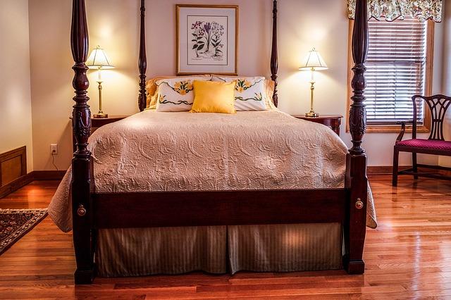 lampičky u postele.jpg