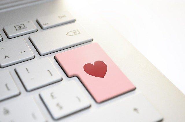 klávesnice se srdcem